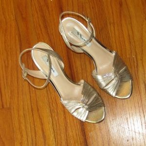 NINA NEW YORK gold strappy slingback ankle size 10